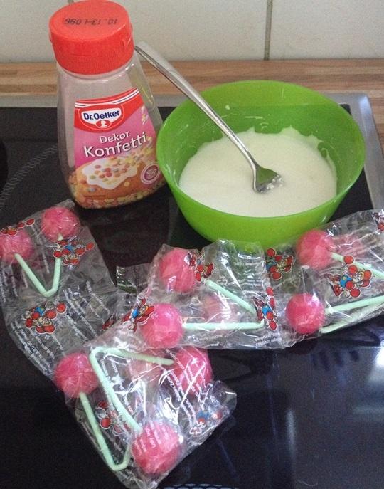 Dekoration fuer unsere Konfetti Muffins