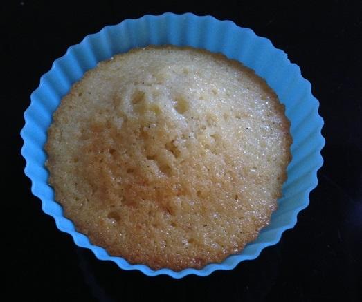 der noch undekorierte Muffinrohling