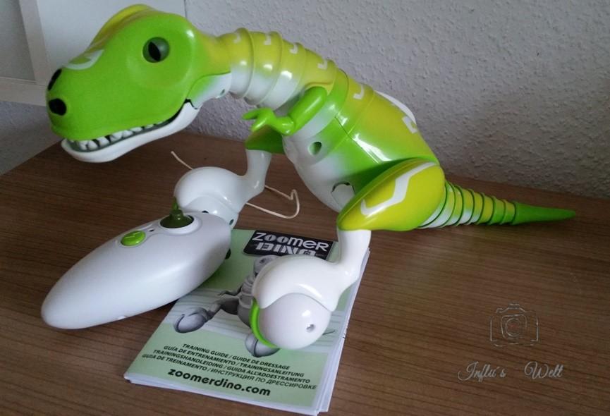 """frisch aus der Packung """"geschlüpfter"""" Zoomer Dino"""