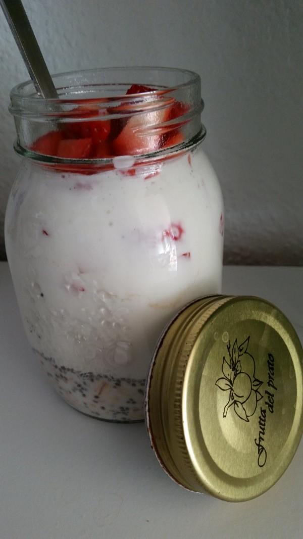 Overnight Oats mit Erdbeeren