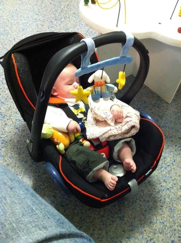 Fünni beim Baby TÜV