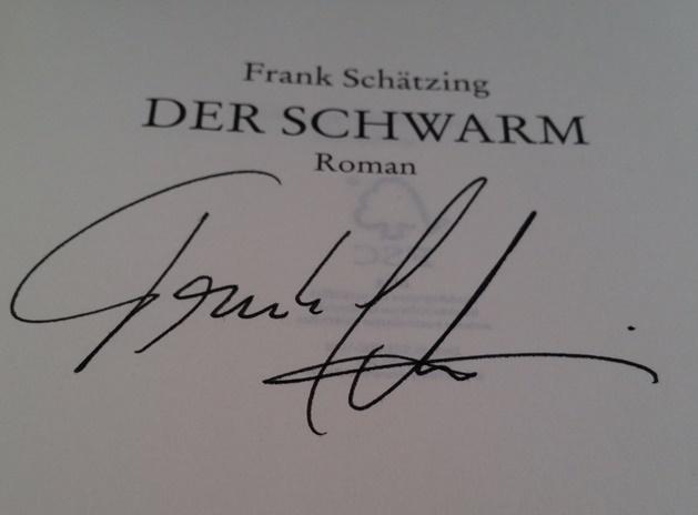 Signiertes Exemplar von Frank Schätzing der Schwarm