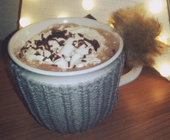 Praliné Hot Chocolate servierfertig mit mini Marshmallows