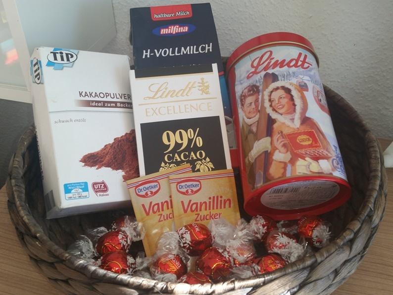 Heiße Schokolade - Hot Chocolate Zutaten mit Lindt Lindor Pralinen