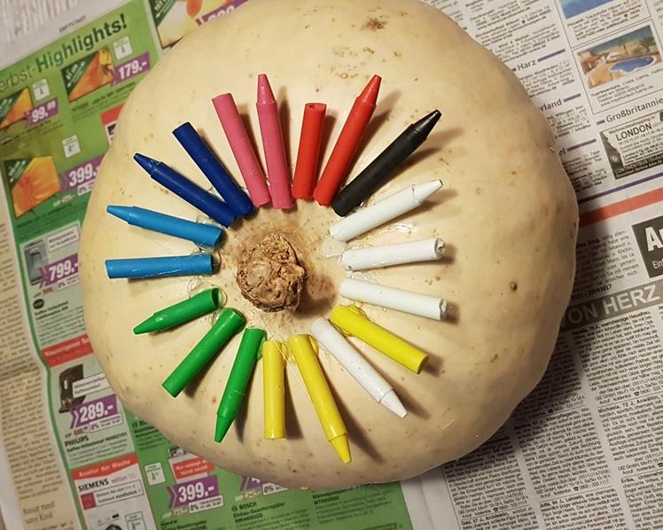 Regenbogen Kuerbis Halloween DIY