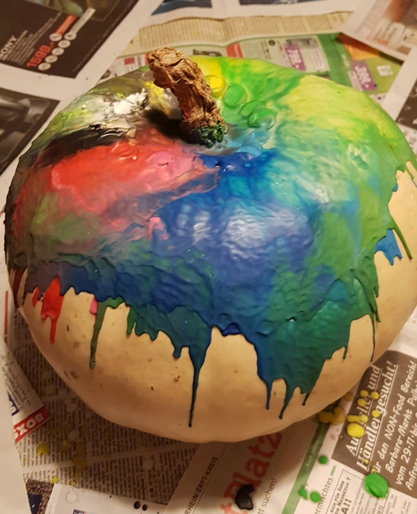 Regenbogen Kuerbis Halloween DIYs