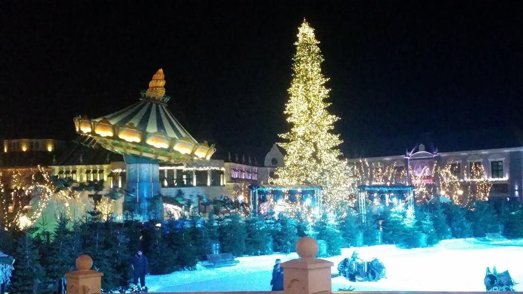 Phantasialand Wintertraum Kaiserplatz bei Nacht
