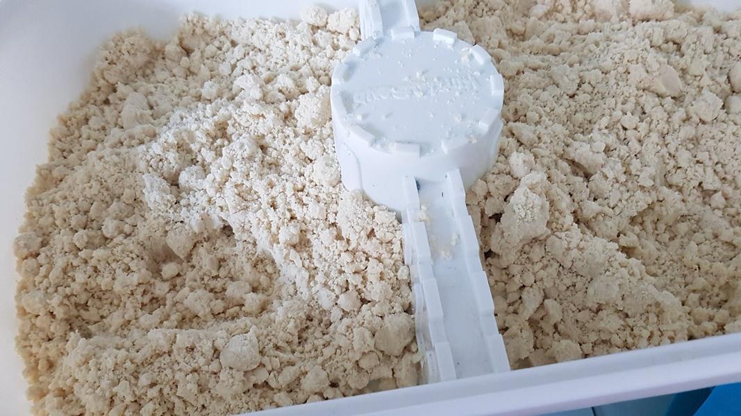 DIY Indoor Kinetic Sand aus nur zwei Zutaten