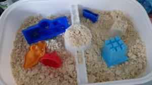 cooler DIY Indoor Kinetic Sand aus nur zwei Zutaten