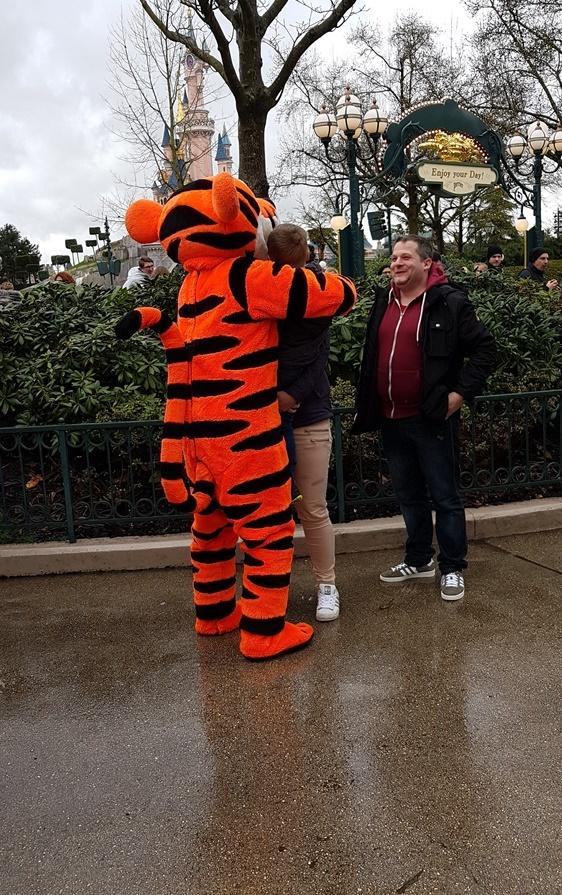 Wir treffen Tigger im Disneyland Paris