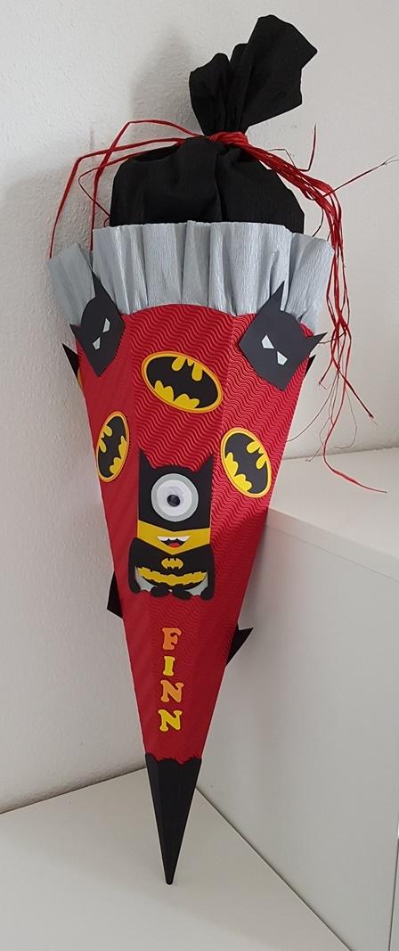 fertige Batmanminion Schultüte zur Einschulung