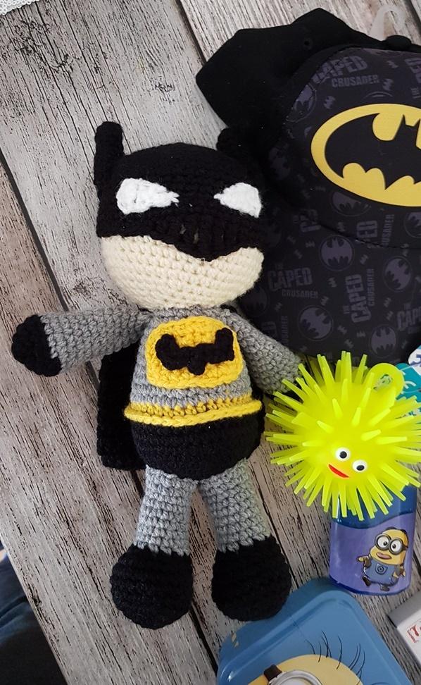 gehäkelter Batman für die Batman Minion Schultüte