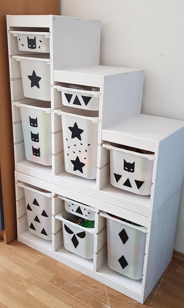 ikea trofast hack einfach und guenstig das alte regal zu einem superhelden regal fuer jungs. Black Bedroom Furniture Sets. Home Design Ideas
