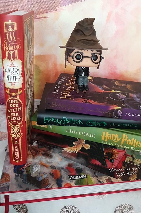 Harry Potter und der Stein der Weisen in unterschiedlichen Ausgaben