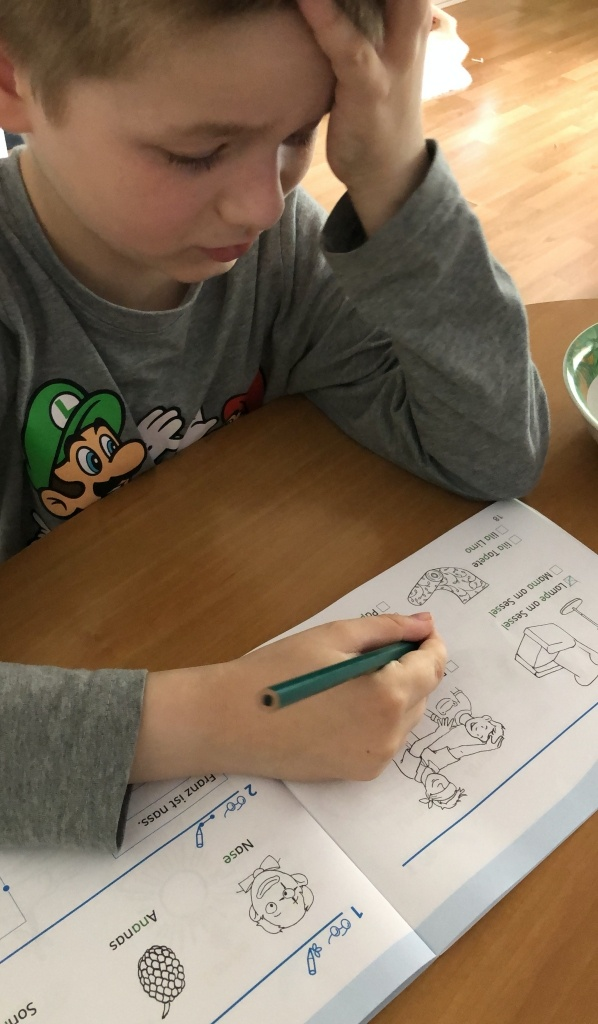 Homeschooling während Corona - Achtung Explosiv